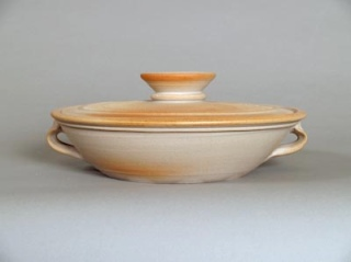 Covered cooking pot, casserole dish 1998-present