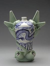 Brendan Tang. MO ver. 2.0-e , 2003. 29.2 x 22.9 cm. (rear view)