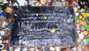 Memorial plaque at Galerie Gaétan Beaudin , Val David, QC