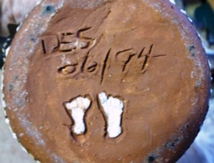 DES 94 with footprints incised