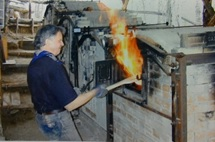 John Chalke backs off from his wood kiln as volatile gases ignite with fresh air during a workshop at his studio in Calgary. Page: 104 Ceramics Monthly Volume: 52 Issue: 4 Issue Date: 04/04