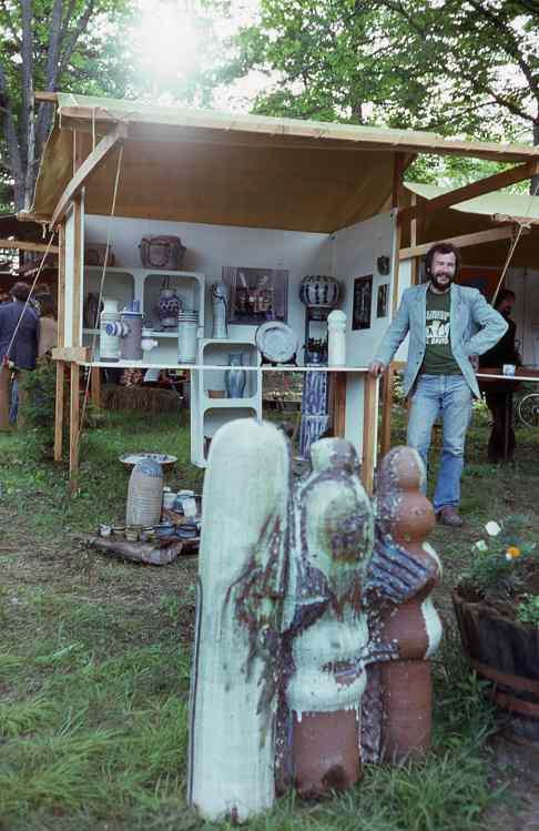 A-M Tremblay at a craft market, Val David, QC, 1977. Photo Ronald Crooks.