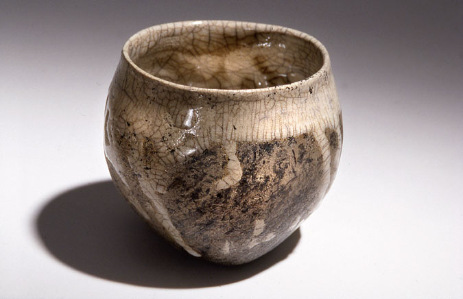A-M Tremblay. Cup, Raku. 2005. 10.2x11.4 cm. Photo A-M Tremblay. Collection Murli Nair, Toronto.