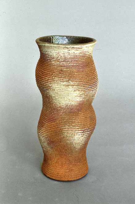 A-M Tremblay. Vase. 2004 . cone 6, Photo A-M Tremblay
