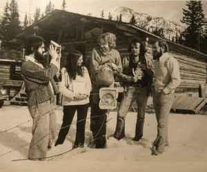Stonecrop artists 1975. (Left to right): Tony Bloom, Bonnie Lebowitz, Bart Robinson, Robin Sturdy, Les Manning. Photo: Highline Magazine.