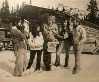 Stonecrop artists 1975. (Left to right): Tony Bloom, Bonnie Lebowitz, Bart Robinson, Robin Sturdy, Les Manning. Photo: Highline Magazine.