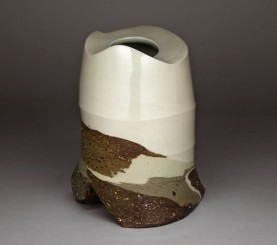 Les Manning. 1988. Rundle View. Laminated stoneware and porcelain. 26 cm.