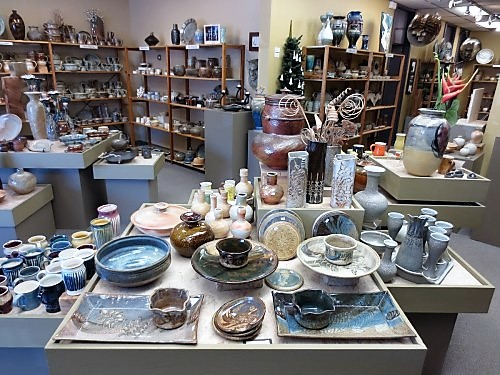 Stoneware Gallery-interior copy website -1-500x375