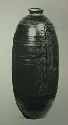 7. Thomas Kakinuma, Vase, 1957. Grand Award Winner, Stoneware, Canadian Pavilion, Brussels World's Fair, 1958 Image The Clay Products News and Ceramic Record, #4 April 1957.