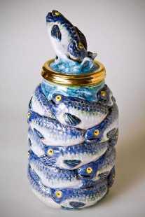 Victor Cicansky. Fish Jar .Clay, glaze. 22.9 x 14.6 cm. 2010.