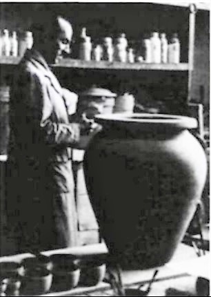 Pierre-Aimé Normandeau in an unidentified studio. Photo Vie des Arts