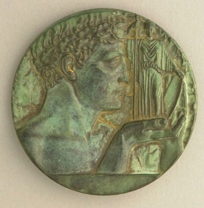 Pierre-Aimé Normandeau. 1928-31. Medal of l'École des beaux-arts de Montréal. Bronze. 7.5 cm D. Collection: Musée des beaux-arts de Montréal.