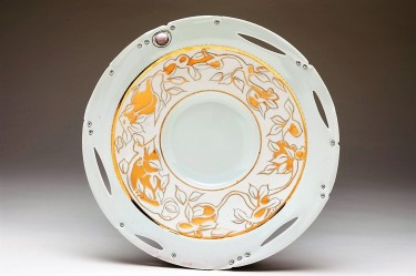 Valerie Metcalfe. 2007. White and Gold Platter. Porcelain, glass, solder, gold luster. 45.7 cm w.