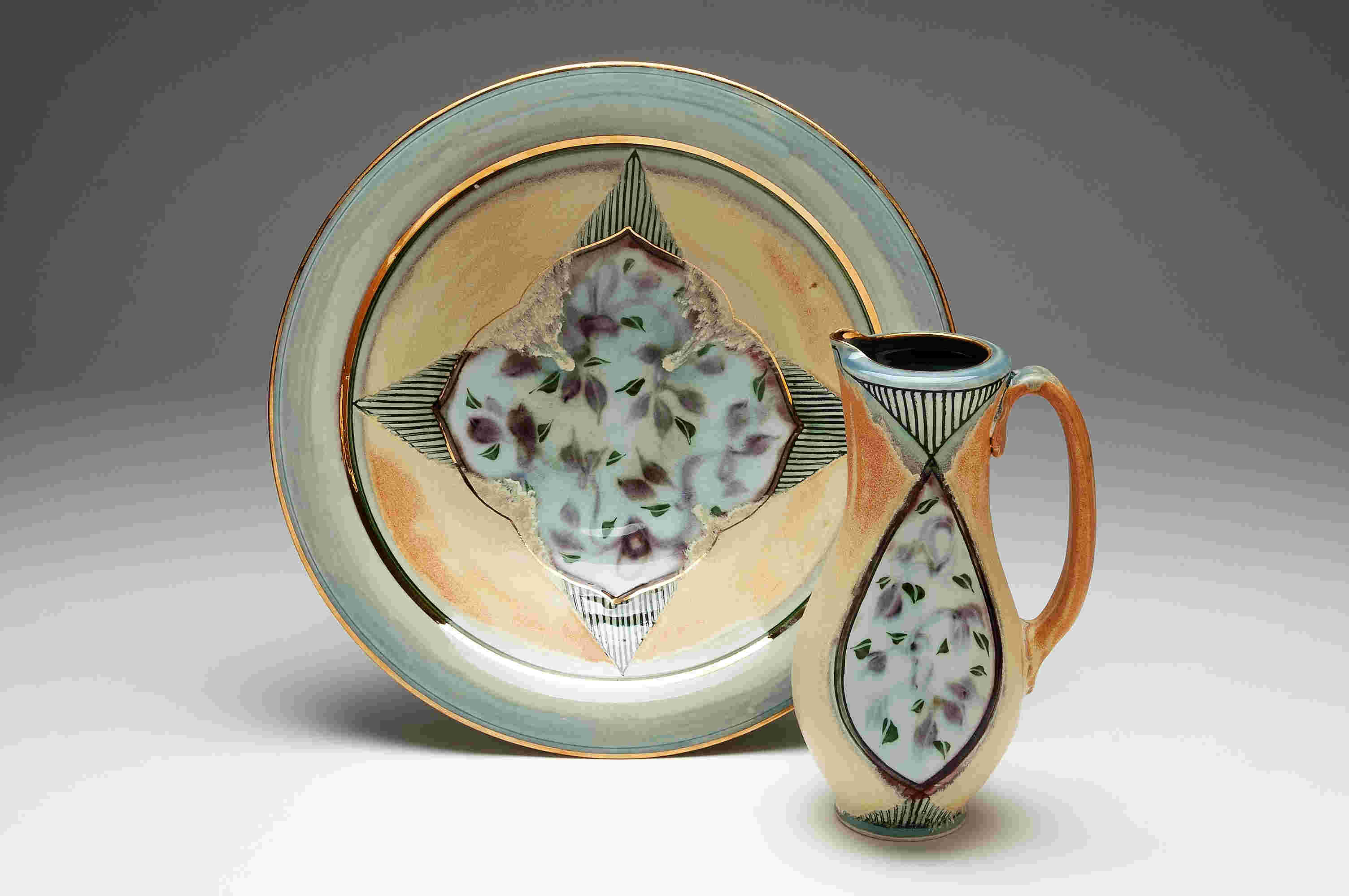 Valerie Metcalfe. 2015. Pitcher and Bowl set. Porcelain, gold lustre. Bowl: 40.6 cm. w. x 10.2 cm. h.; pitcher 133 cm. h.